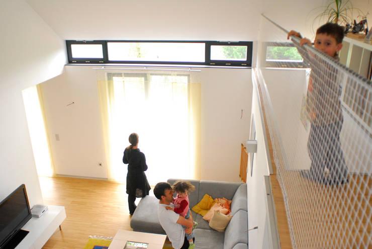 Salas de estar campestres por Arch. DI Peter Polding ZT