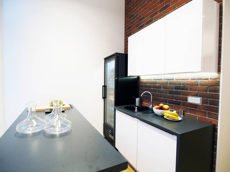 BIura Pilot: styl , w kategorii Kuchnia zaprojektowany przez Zolnik Pracownia,