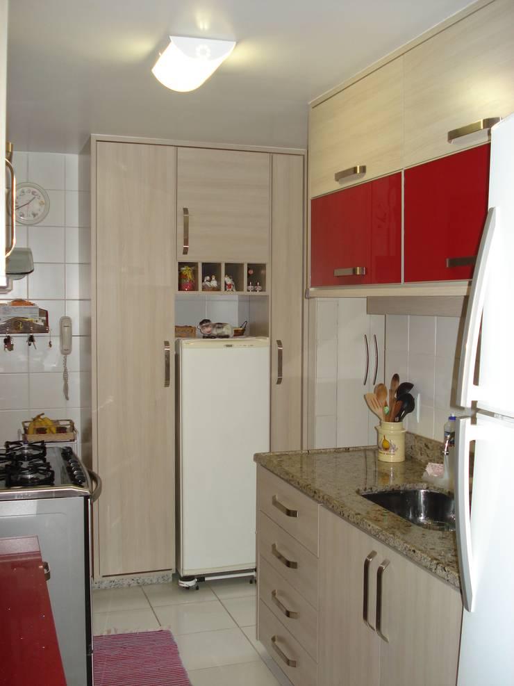 Residência Águas Claras/DF: Cozinhas ecléticas por Donakaza