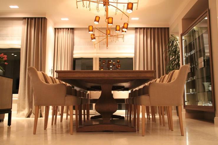Jadalnia rodzinna: styl , w kategorii  zaprojektowany przez Comfort & Style Interiors,Nowoczesny