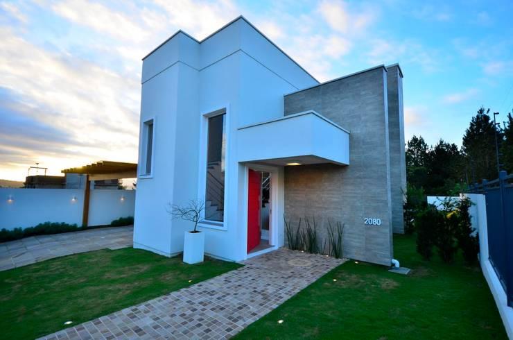 ELITE HOUSE: Casas  por ARQ Ana Lore Burliga Miranda