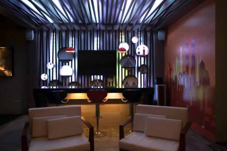 Proyectos de Luz: Balcones y terrazas de estilo  por Arq Mobil