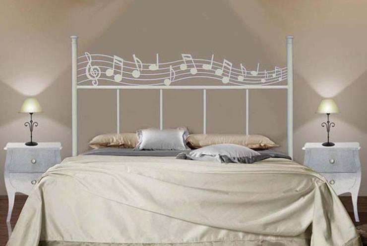 Dormitorios de estilo clásico por Ventaexclusiva.net