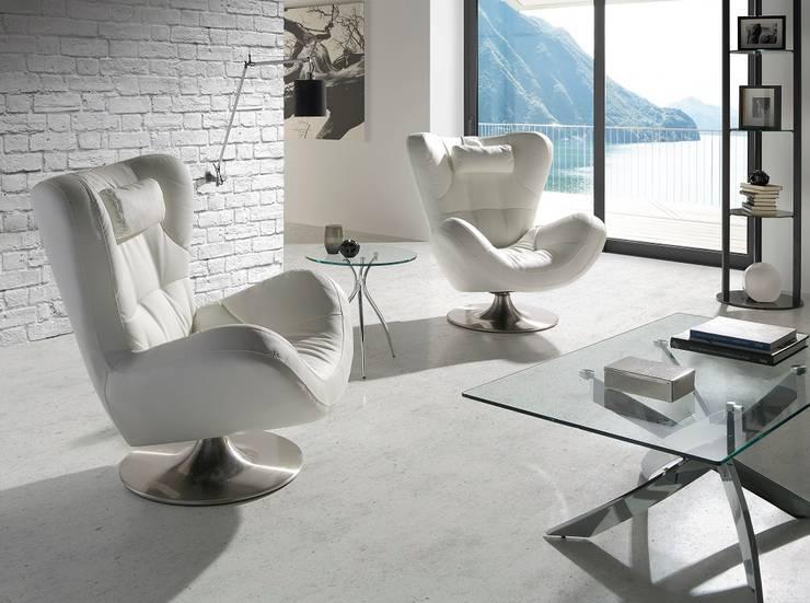 Projekty,  Salon zaprojektowane przez MUEBLES OYAGA