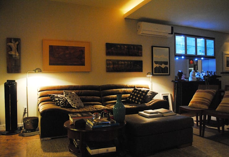 APARTAMENTO MIRANTE DA BELA VISTA: Salas de estar modernas por GABRIEL HERING