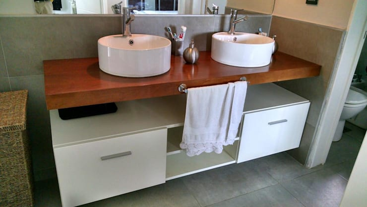 Projekty,  Łazienka zaprojektowane przez GANDIA ARQUITECTOS