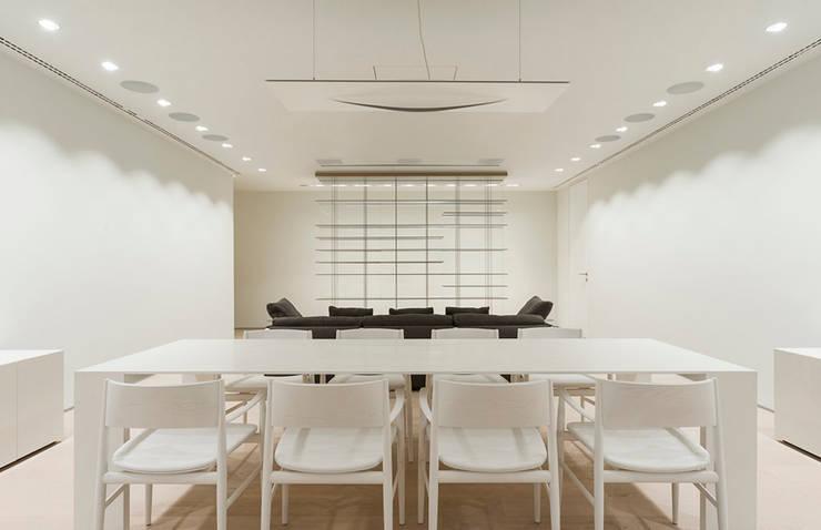 ST. REGIS 2301: Comedores de estilo  por TENTER Arquitectura y Diseño
