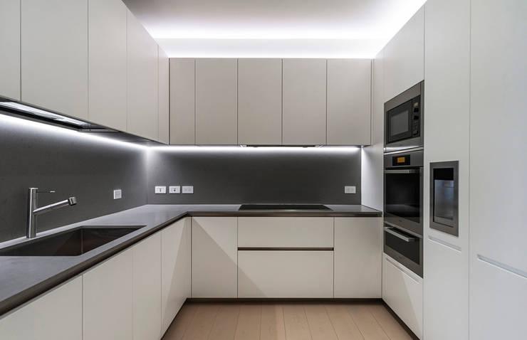 ST. REGIS 2301: Cocinas de estilo  por TENTER Arquitectura y Diseño