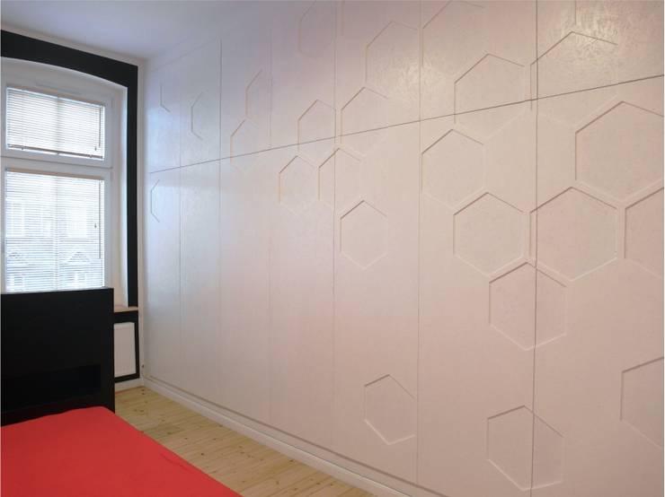 Kasia & Arek szafa: styl , w kategorii Sypialnia zaprojektowany przez NaNovo