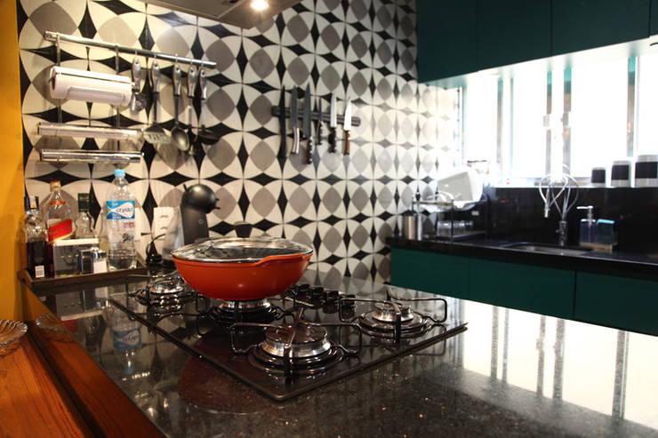 Кухни в . Автор – Fabiana Rosello Arquitetura e Interiores
