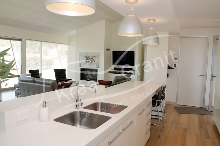 Dupont Corian Glacier White Mutfak Tezgahı:  Kitchen by KREA Granit- Mutfak Banyo Tezgahları, Modern