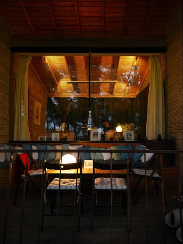 интерьер веранды: Tерраса в . Автор – Архитектурная студия Чадо