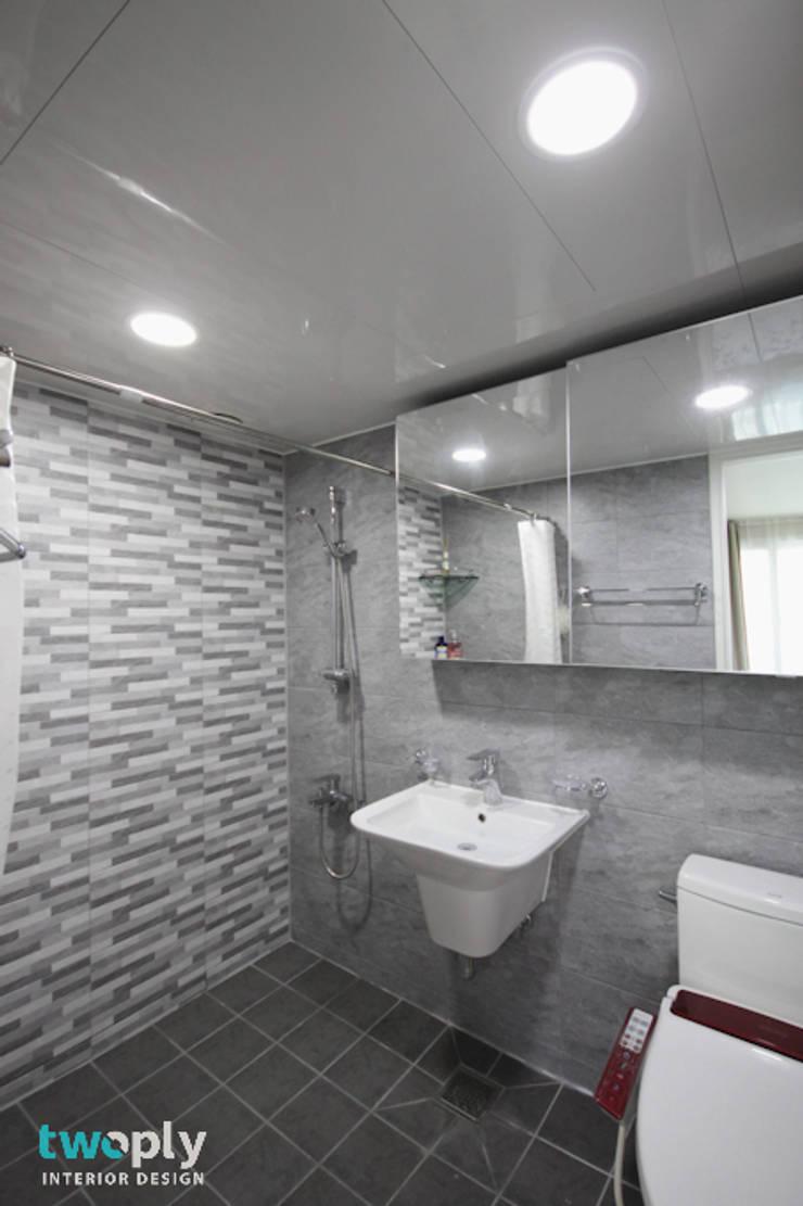 블루포인트 아파트 리모델링: 디자인투플라이의  욕실