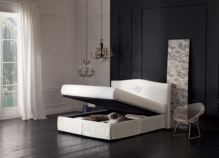 SUPER STORAGE BEDS: Camera da letto in stile in stile Moderno di OGGIONI - The Storage Bed Specialist