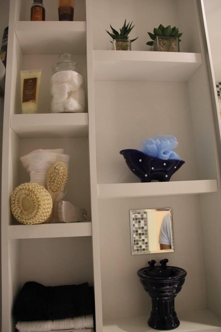 現代浴室設計點子、靈感&圖片 根據 Donakaza 現代風