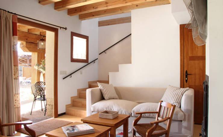 غرفة المعيشة تنفيذ Jacobo Lladó Estudio de Arquitectura