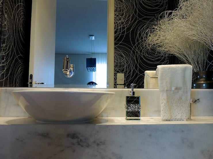 Salle de bains de style  par Adriana Pierantoni Arquitetura & Design,