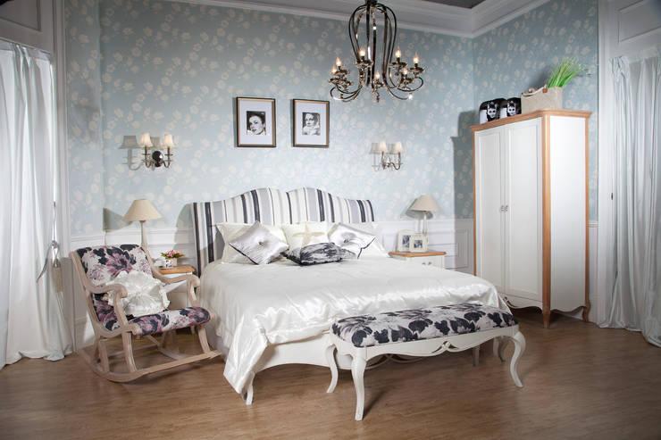 Dormitorios de estilo  por Neopolis Casa