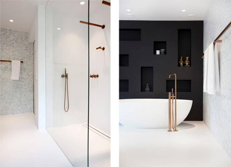 Marike project monumentaal pand badkamer:  Badkamer door Marike
