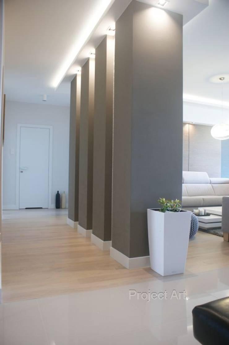 Couloir et hall d'entrée de style  par Project Art Joanna Grudzińska-Lipowska, Moderne