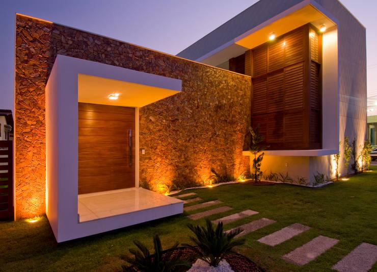 3: Casas modernas por Carlos Ribeiro Dantas Arquitetos Associados