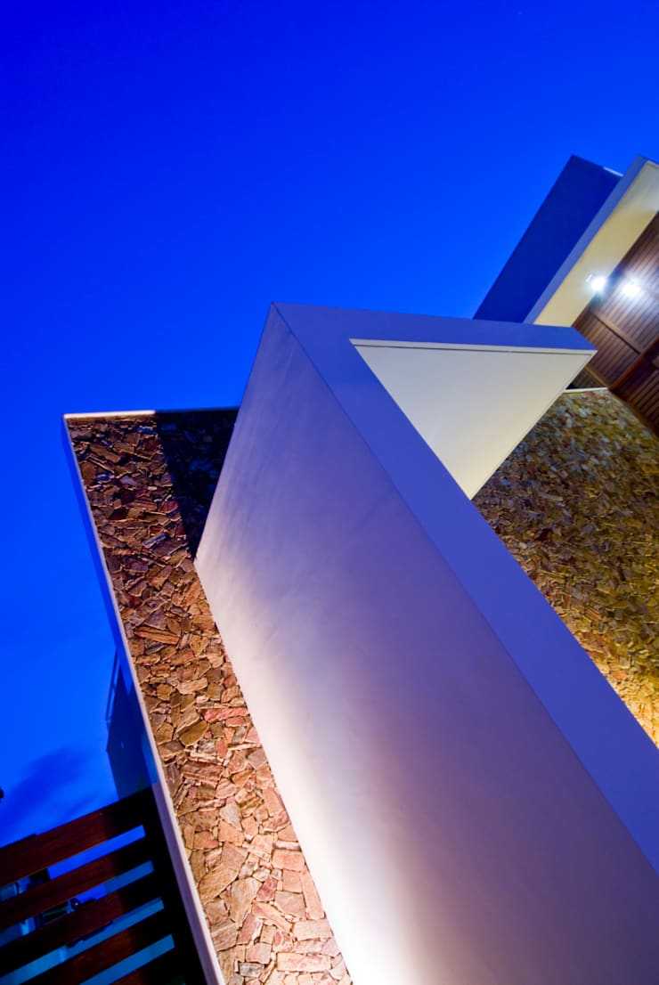 5: Casas modernas por Carlos Ribeiro Dantas Arquitetos Associados