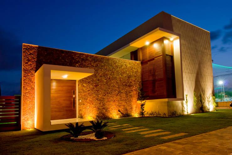 7: Casas modernas por Carlos Ribeiro Dantas Arquitetos Associados