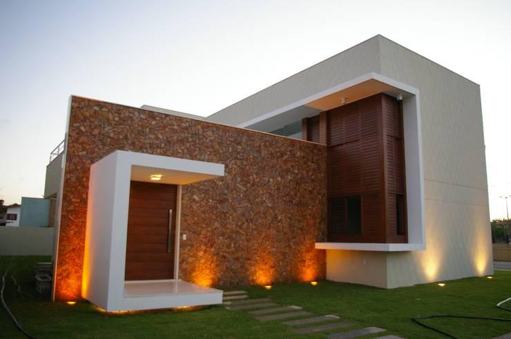 9: Casas modernas por Carlos Ribeiro Dantas Arquitetos Associados
