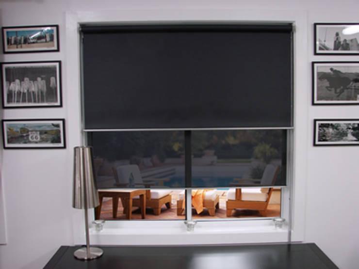 Finestre & Porte in stile in stile Moderno di Estoresbaratos.com