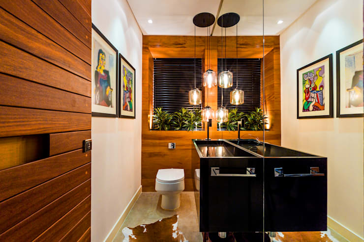 Bathroom by IE Arquitetura + Interiores