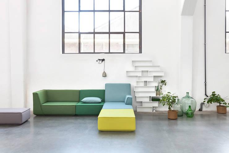 Sofas: minimalistische Wohnzimmer von Cubit- Bits For Living