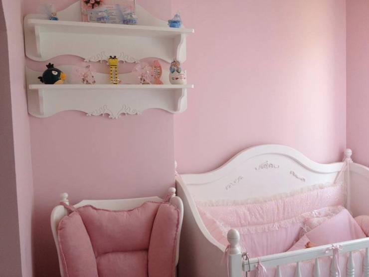 Hilal Tasarım Mobilya – Azra'nın Odası: modern tarz Çocuk Odası