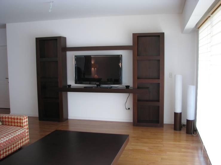 minimalistic Living room by MOBILFE