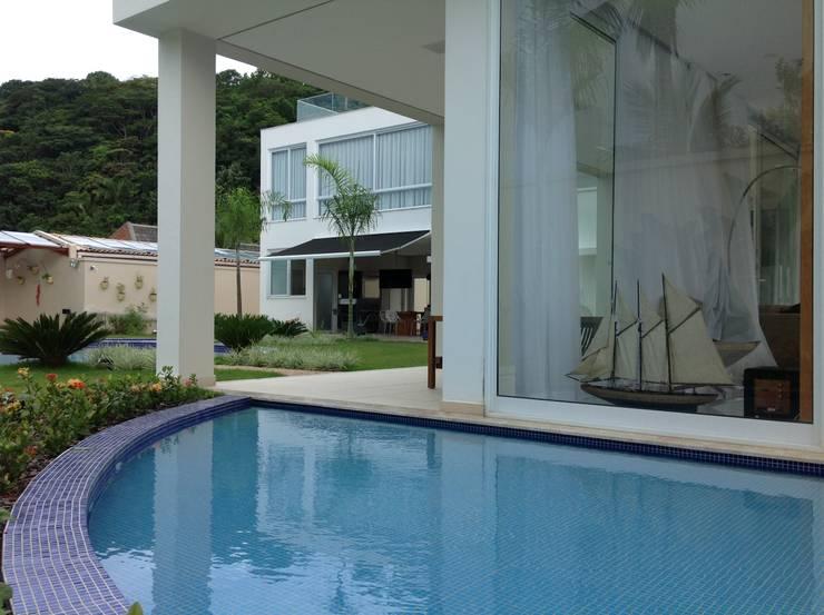 Fachada 02: Jardins modernos por Bunkerlab arquitetura, design, ...+