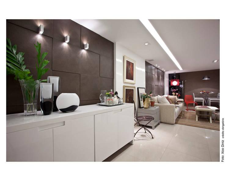 Pasillos y hall de entrada de estilo  por Wesley Lemos Arquitetura & Design, Moderno