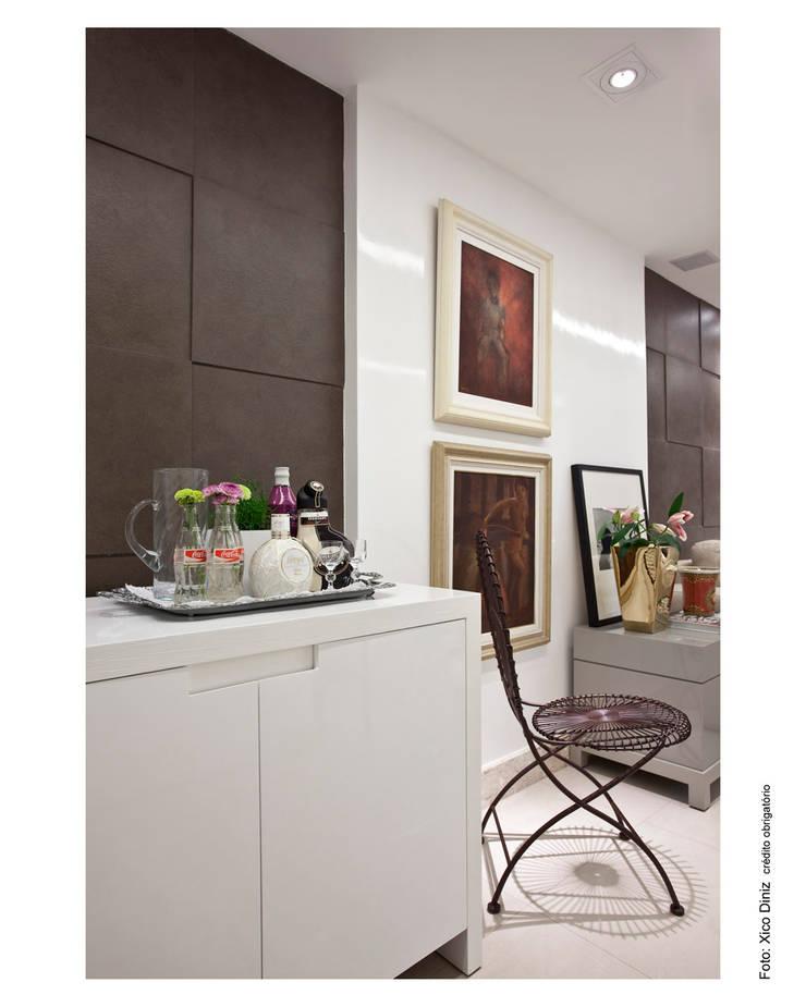 ระเบียงและโถงทางเดิน โดย Wesley Lemos Arquitetura & Design,