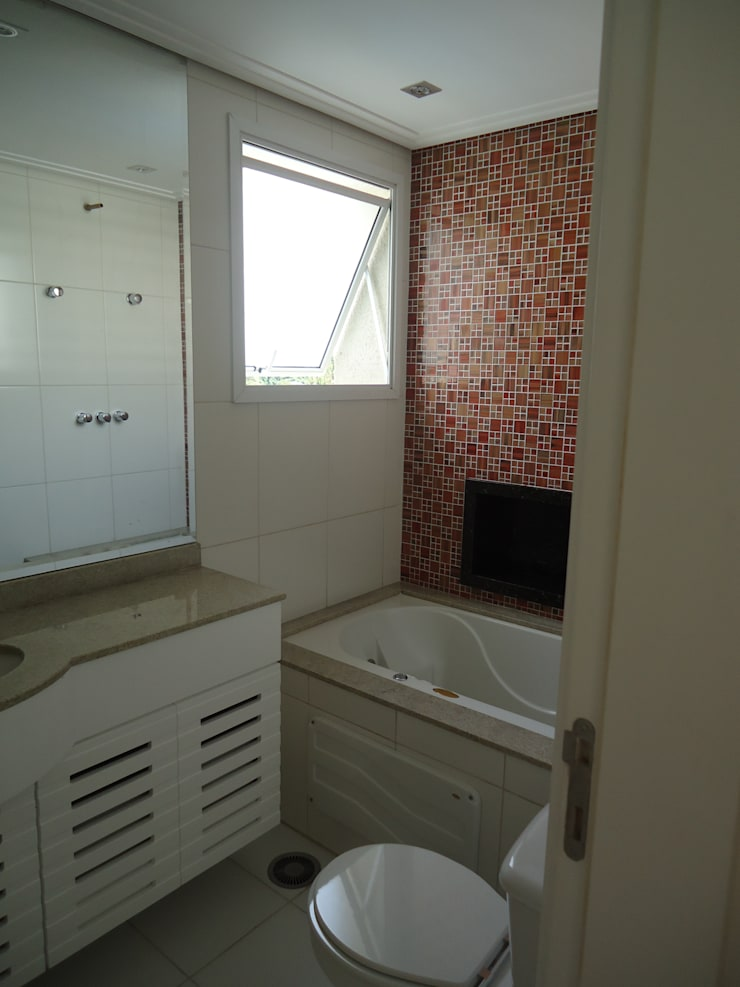 Apartamento tipo Cobertura Granja Julieta: Banheiros  por VT Design - Arquitetura e Interiores,Rústico Cerâmica