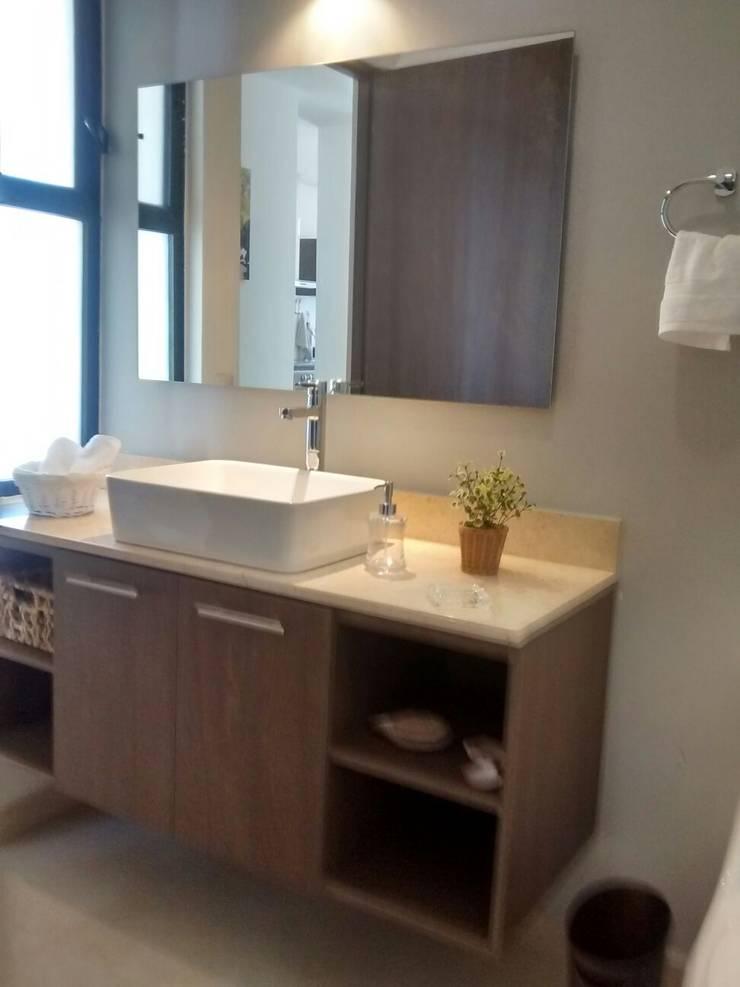 Baño Lennor: Baños de estilo  por Bianco  Diseño