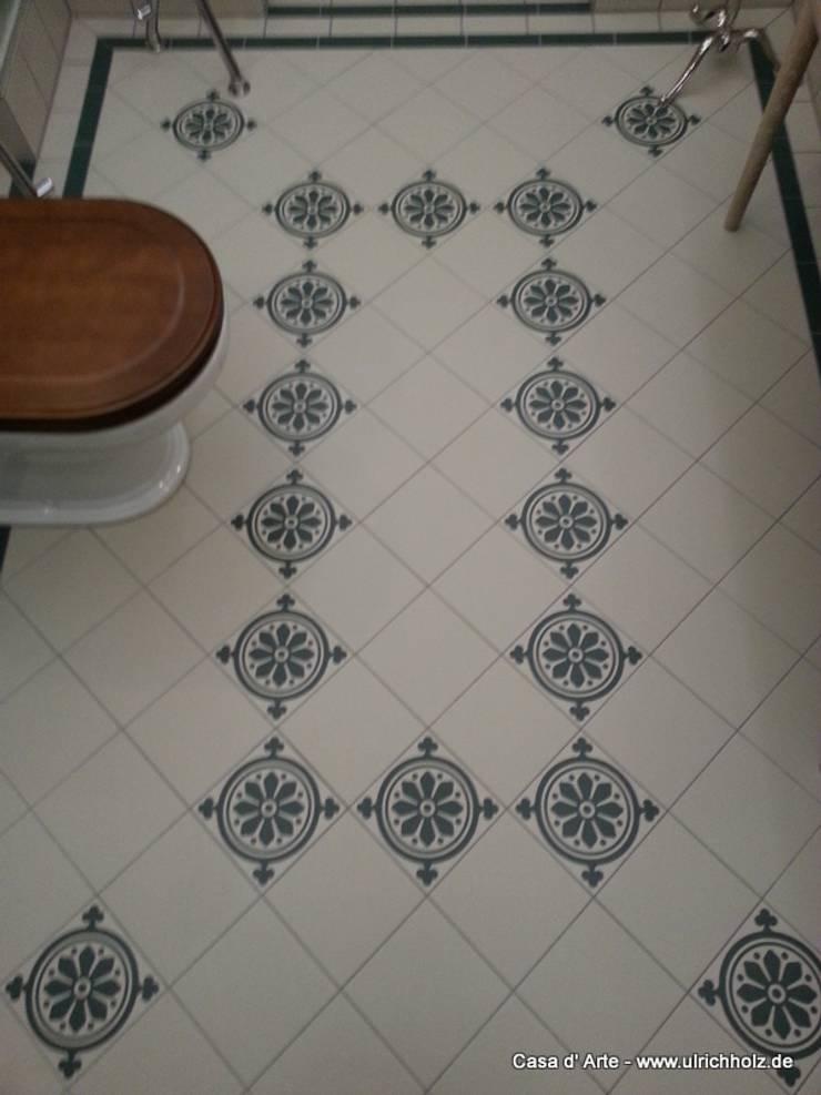 Baños de estilo ecléctico de Ulrich holz -Baddesign Ecléctico Azulejos