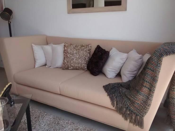 Salones de estilo  de Bianco  Diseño
