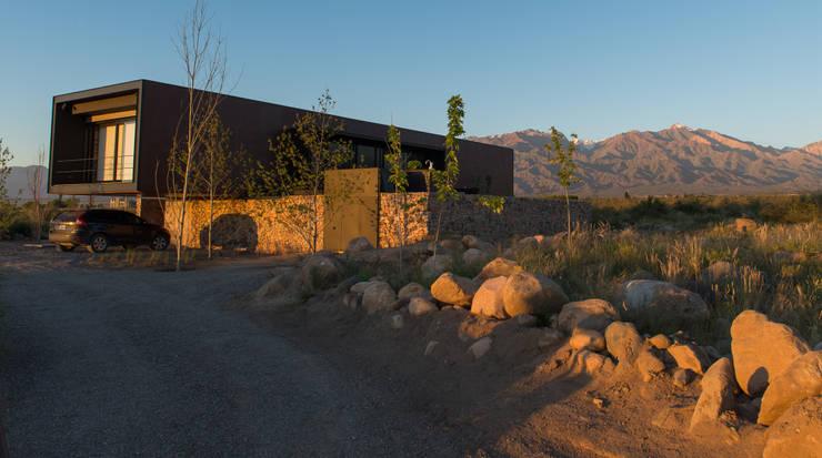 Casas de estilo moderno por A4estudio
