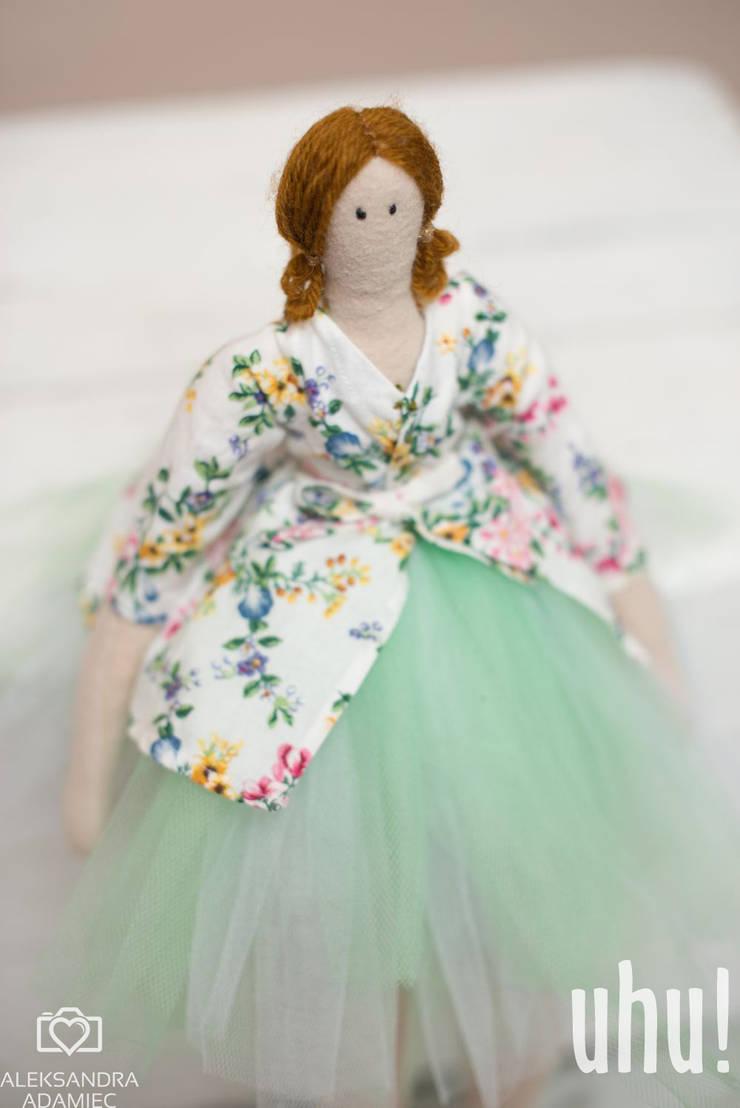 Matylda lalka : styl , w kategorii  zaprojektowany przez uhu!,Minimalistyczny Bawełna Czerwony