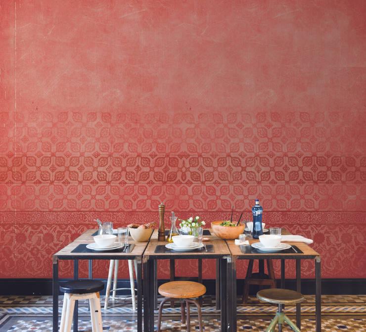 Tres Tintas Barcelona - hiszpańskie tapety i murale : styl , w kategorii Ściany i podłogi zaprojektowany przez Wzorywidze.pl