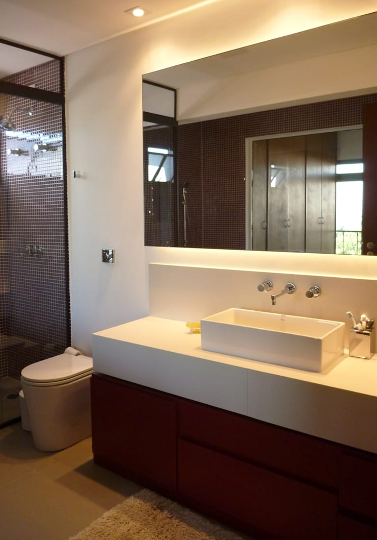APARTAMENTO VILA MADALENA: Banheiros  por Bloch Arquitetos Associados