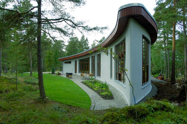 Banana House: styl , w kategorii Domy zaprojektowany przez Duende Dominika Brodnicka,Nowoczesny