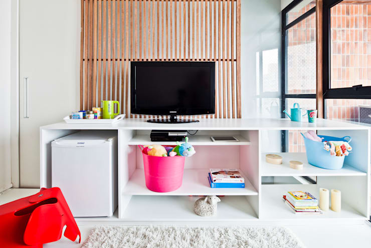 Cuartos infantiles de estilo minimalista por Laranja Lima Arquitetura