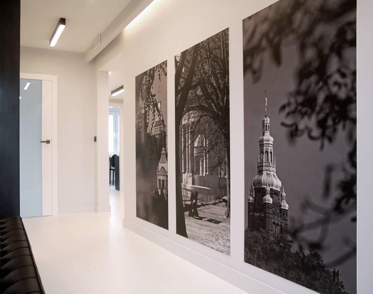 poczekalnia: styl , w kategorii Szpitale zaprojektowany przez Duende Dominika Brodnicka,Minimalistyczny