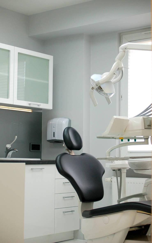 gabinet2: styl , w kategorii Szpitale zaprojektowany przez Duende Dominika Brodnicka,Minimalistyczny