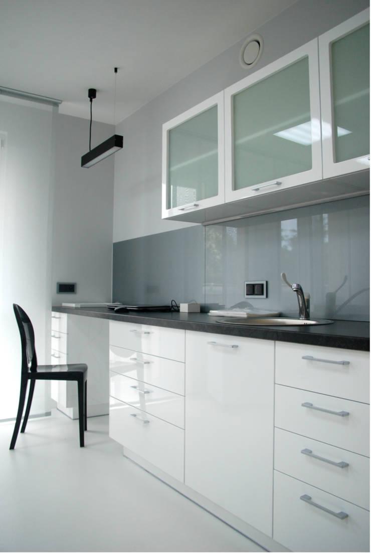 gabinet 1: styl , w kategorii Szpitale zaprojektowany przez Duende Dominika Brodnicka,Minimalistyczny