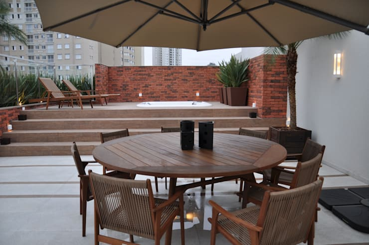 Terrazas de estilo  por Varinia Schwartz Arquitetura & Interiores